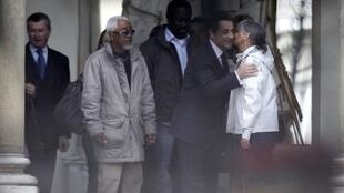 President Nicolas Sarkozy received Francoise Larribe (R), the mother of a French hostage released in February