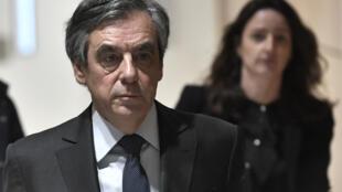 圖為法國前總理菲永 2020年2月24日照片