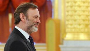 A primeira-ministra britânica, Theresa May, nomeou o diplomata Tim Barrow como novo embaixador na União Europeia (UE), nesta quarta-feira (4).