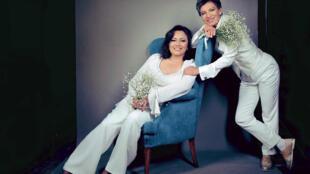 La senadora Angélica Lozano y la alcaldesa electa de Bogotá Claudia López, el 16 de diciembre de 2019, día de su boda.