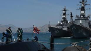 Hai khu trục hạm Nhật Bản, hiện đang ở vịnh Cam Ranh, sẽ tham gia diễn tập chung với Hải quân Việt Nam.