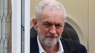 英国反对党工党领袖科尔比手上捏着下议院通过脱欧协议的关键票