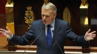 O primeiro-ministro francês, Jean-Marc Ayrault, em discurso na terça-feira na Assembleia Nacional francesa.