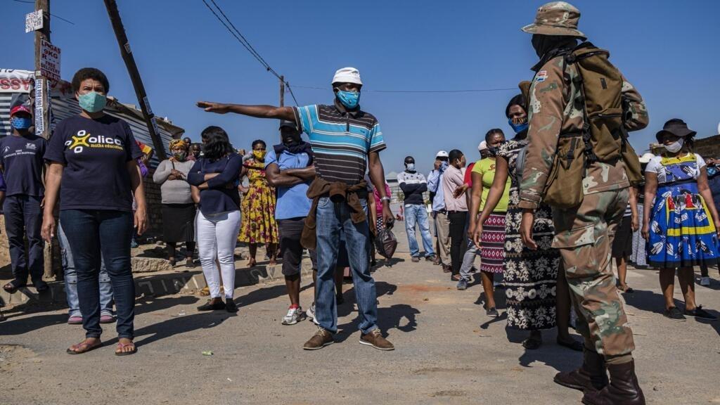 Coronavirus: les appels à la levée du confinement se multiplient en Afrique du Sud