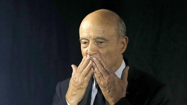 Bordeaux mayor Alain Juppé supports his party's presidential candidate, François Fillon. But not everyone agrees.
