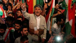 Manifestação pela independência do Curdistão iraquiano em Erbil.