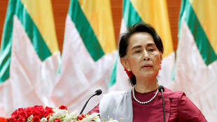 Cố vấn Nhà nước Miến Điện Aung San Suu Kyi phát biểu về cuộc khủng hoảng tại Rakhine, Naypyitaw, 19/09/2017.