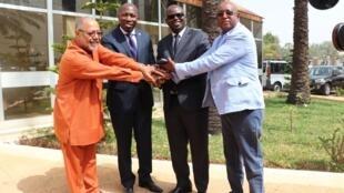 PAIGC assinou acordo com três formações guineenses, UM, APU e PND, respectivamente Agnelo Regala, da UM, Domingos Simões Pereira, do PAIGC, Mama Saliu Lamba da APU e Iaia Djalo do PND.