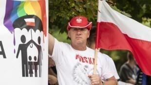 En Pologne, les «Gay Pride» suscitent régulièrement des tensions avec les ultra-conservateurs, comme ici à Plock le 10 août 2019.