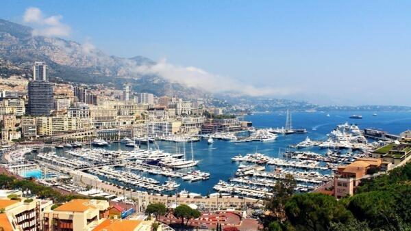 Vue du port de Monaco.