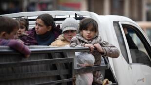 Depuis décembre, en Syrie 900000 personnes ont été déplacées à cause des violences dans le nord-ouest du pays.