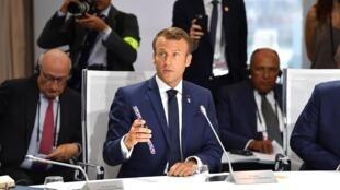 Emmanuel Macron au cours de la discussion du G7 de Biarritz sur l'environnement, le 26 août 2019.