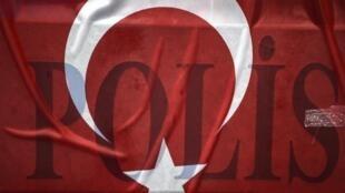 در پی اعلام وضعیت اضطراری تا کنون حدود ۸۰ هزار نفر در ترکیه بازداشت شده اند و شمار کسانی که از ادارههای دولتی از کار برکنار شدند، دو برابر شده است.