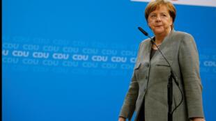 Thủ tướng Đức Angela Merkel đến trụ sở đảng CDU ở Berlin, ngày 21/01/2018, sau khi đảng SPD quyết định đàm phán lập chính phủ liên hiệp.