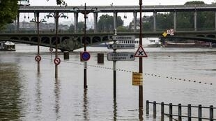 Las orillas del río Sena inundadas, junio de 2016.