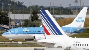 La compagnie Air France-KLM va supprimer 2800 postes en 2014.