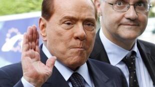 O ex-premiê italiano, Silvio Berlusconi, ao chegar para um encontro do Partido do Povo Europeu em Bruxelas, no último dia 28 de junho.