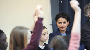 Education Minister Najat Vallaud-Belkacem at a primary school in Paris on 6 February, 2015