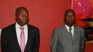 Carlos Correia (direita), sucedeu a Domingos Simões Pereira (esquerda) na liderança do executivo guineense