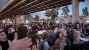 1月11日德黑兰街头抗议的民众