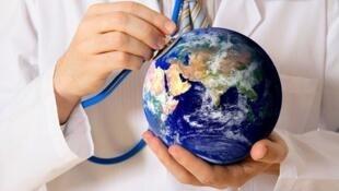 Cada vez mais pessoas viajam a outros países para fazer tratamentos médicos
