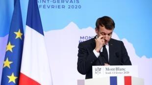 Президент Франции Эмманюэль Макрон во время пресс-конференции