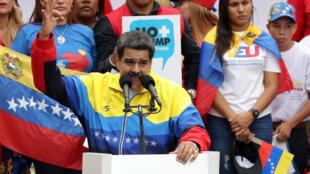 Tổng thống Venezuela, Nicolas Maduro, tham gia cuộc biểu tình chống trừng phạt của Mỹ tại Caracas. Ảnh ngày 10/08/2019.