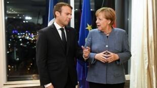 Tổng thống Pháp Emmanuel Macron (L) và thủ tướng Đức Angela Merkel tại hội nghị thượng đỉnh về kỹ thuật số tại Tallinn, Estonia ngày 28/09/2017.