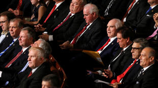 Membros republicanos do novo Congresso no Capitólio nesta terça-feira (3).