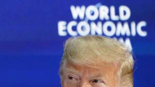 Donald Trump prononce un discours lors de la réunion annuelle du 50e Forum économique mondial (WEF) à Davos, en Suisse, le 21 janvier 2020.
