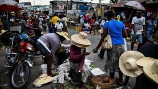 Scènes de rue dans la capitale haïtienne Port-au-Prince.