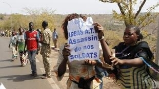 Protest of relatives of soldiers fighting rebels Tuareg in the north, Bamako, 2 February, 2012