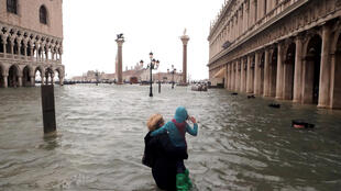 В Венеции уровень воды поднялся на 1,56 метра