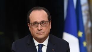O Presidente François Hollande durante a sua entrevista de ontem à noite no Eliseu.