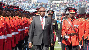 Malawi's incumbent President Peter Mutharika inspects a military parade during his inauguration in Blantyre on 31 May 2019.