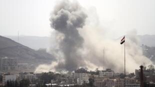Đợt oanh tạc nhắm vào khu vực Tahrir, trong phạm vi Sanaa, làm 44 người chết - REUTERS /Mohamed al-Sayaghi