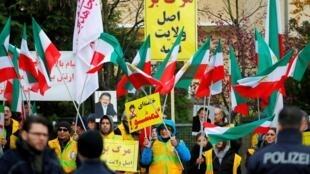 Tập hợp tại Berlin ngày 17/11/2019 yểm trợ phong trào biểu tình chống tăng giá xăng ở Iran.