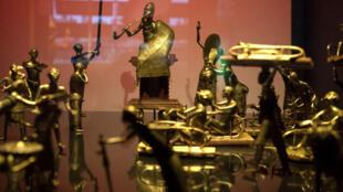 La cérémonie Ato du royaume de Dahomey (l'actuel Bénin) vers 1934, est présentée le 18 mai 2018 au musée du Quai Branly-Jacques Chirac à Paris.
