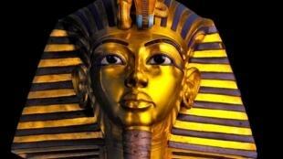 """Exposição """"Tutancâmon - O Tesouro do Faraó"""", no Grande Hall da Villette, em Paris."""