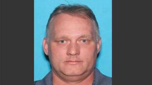 Robert Bowers foi detido após ter atacado uma sinagoga, em Pittsburgh, onde 11 pessoas acabaram por morrer.