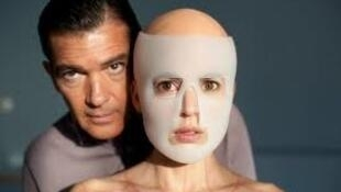 Antonio Banderas and victim in The Skin I Live In