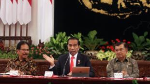 Le président indonésien Joko Widodo lors d'une conférence de presse à propos de la nouvelle capitale au palais présidentiel à Jakarta, le 26 août 2019.