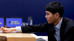 Trận so trí giữa Lee Se-dol và AlphaGo, ngày 09/03/2016.