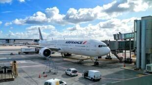 Trước sự cạnh tranh của các hãng hàng không giá rẻ, Air France phải điều chỉnh bảng giá và duy trì nhiềi chuyến bay trong ngày