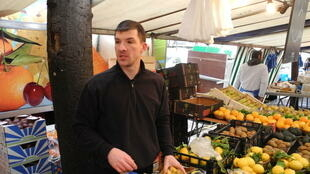 Arnaud, vendedor de frutas, rue Vouille, Paris