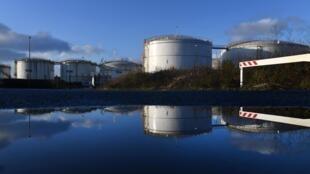 Le dépôt pétrolier de Brest, dans l'ouest de la France, en Bretagne.