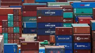 Các container hàng Trung Quốc tại Thượng Hải, 10/07/2018.