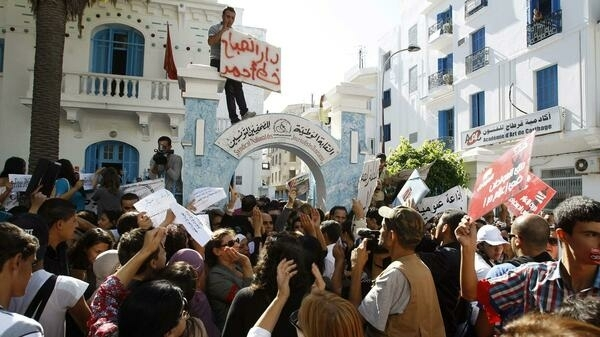Tunisian journalists protest in Tunis, 17 October, 2012