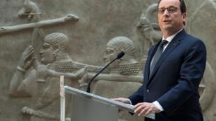 Hollande a gidan ajiye kayayyakin tarihi na Louvre