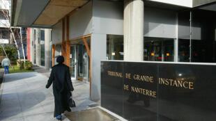 O processo acontece no Tribunal de Nanterres, periferia de Paris